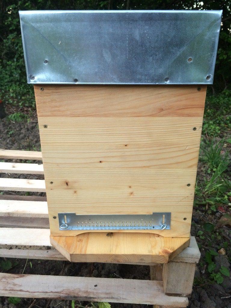 Matériel pour récupérer un essaim - Une ruchette qui ferme